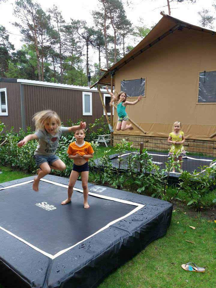 Safari Lodges 2 trampolines